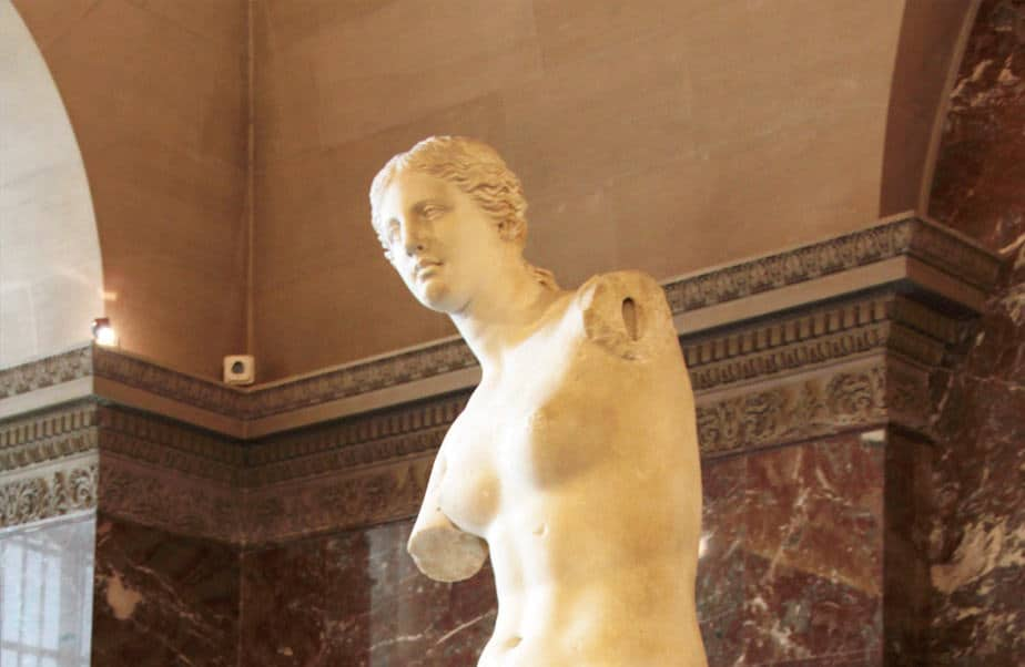 Venus de Milo Sculpture in Louvre
