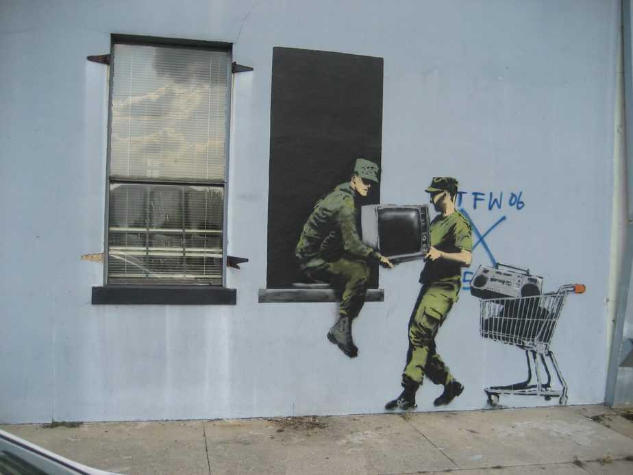 Looting Soldiers – New Orleans